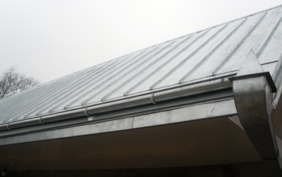 Standing seam roofing for outbuilding, Chubinskoye village